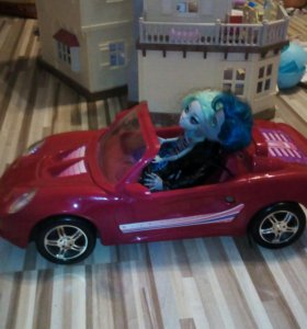 Машина для кукол с ремнями безопасности