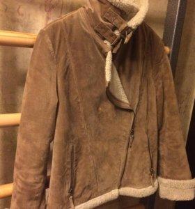 Дубленая куртка с меховым воротником