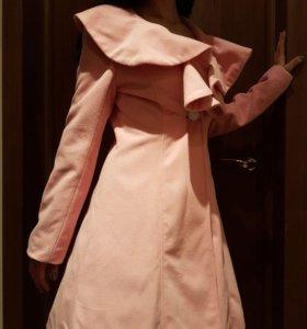 Новое пальто р. 44