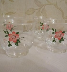 Набор стеклянных чашек