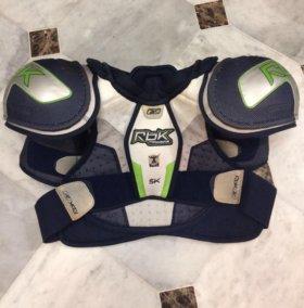 Нагрудник хоккейный Reebok 5k