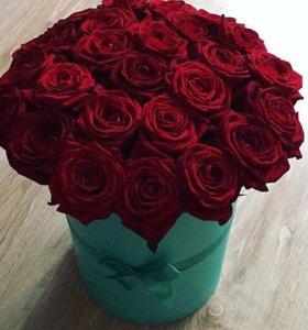 Коробка с розами с доставкой на 14 февраля