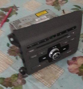 Штатное головное устройство хонда цивик 2012