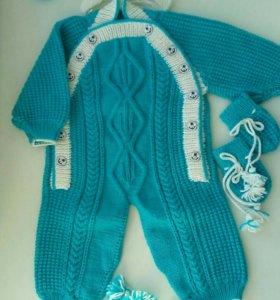 Вязанный комплект для малыша