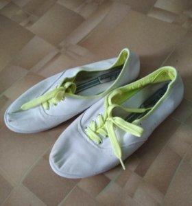 Кеды, босоножки, обувь
