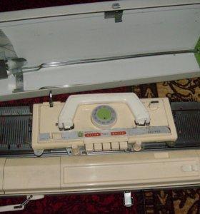 Вязальна машинка BROTHER KH 821