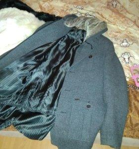 Пальто мужское, размер 44-46.