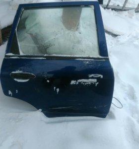 Дверь правая задняя Ниссан Ад 11 кузов синяя