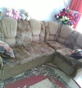 Продам диван-уголок + кресло