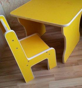 Детский стол + стул.
