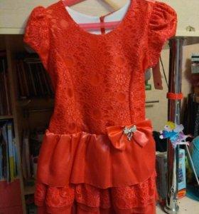 Платье нарядное р-р 134-140, новое