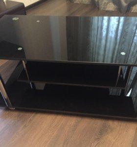 Стол стеклянный под телевизор