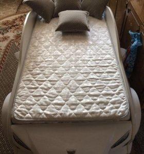 Кроватка машинка.