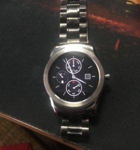 Умные часы LG W150