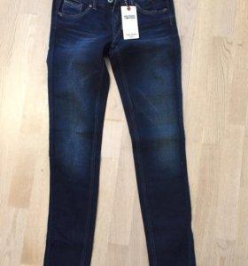 Новые джинсы HILFIGER