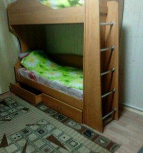 Кровать двух ярусную