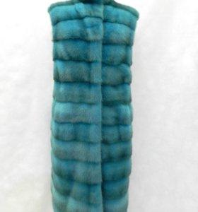 Норковый жилет из норки поперечки бирюзового цвета