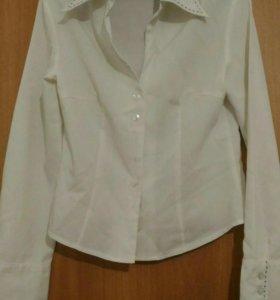 Блузки с рукавами