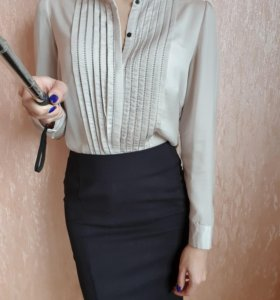 Красивая бежевая блузка Zarina