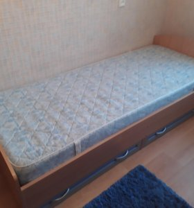 Кровать детская односпальная.