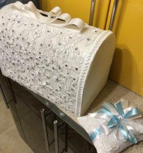 Свадебная коробка и подушка для колец