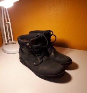 Ботинки фирмы GUT