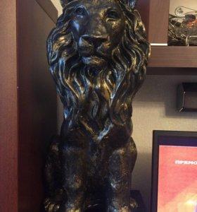 скульптура из глины,лев