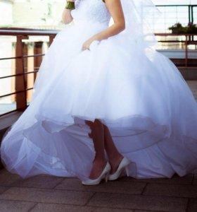 Свадебное платье (фата, кринолин, чехол)