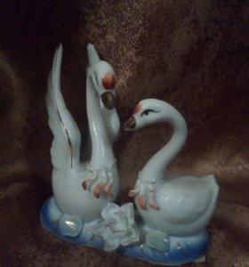 Статуэтка.Лебеди