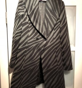 Черно-серое Пальто Guess by Marciano