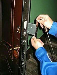 замена установка врезка ремонт дверных замков.