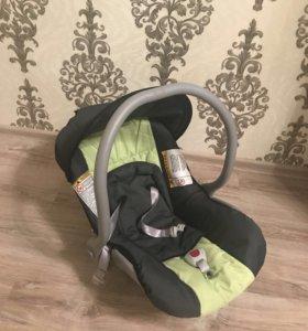 Детское кресло (автолюлька) 0-18 кг.