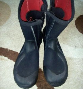 Ботинки для подводной охоты
