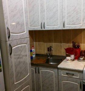 Кухонный гарнитур с вытяжкой +посудомоечная машина