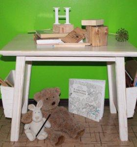 Гарнитур в детскую комнату: кровать, шкаф, столик