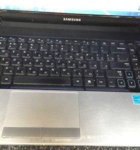 Ноутбук Samsung NP300e5a