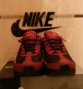 Кроссовки Nike Air Max.
