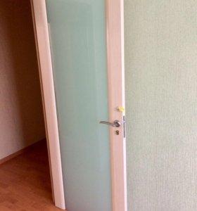 Дверь новая млечный дуб