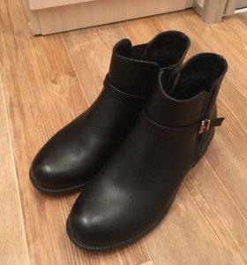 Демисезонные ботинки. Новые!