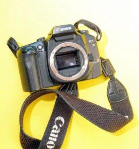 Зеркальный плёночный фотоаппарат Canon EOS 30