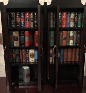 Шкаф и 50 книг серии «классика в миниатюре»