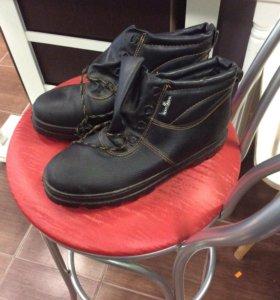 Рабочие ботинки. Новые