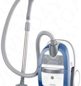 Продам Моющий пылесос Zelmer Aquawelt ZVC752STRU.
