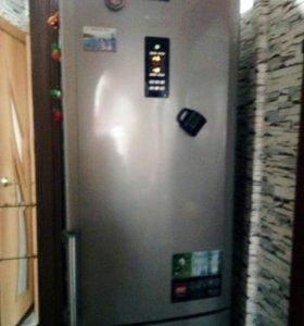 "Холодильник ""Аристон"" торг"