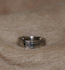 Кольцо с вставкой