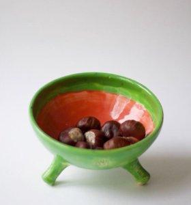 Керамическая ваза на ножках