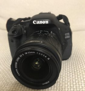 Зеркалка Canon EOS 600D Kit