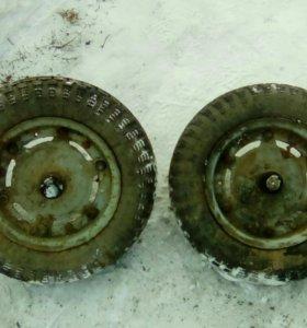 Два колеса от муравья, тулицы