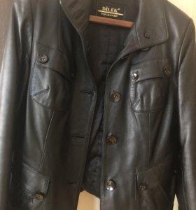 Куртка из натуральной кожи .