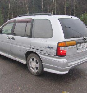 Nissan Prairie, 1998
